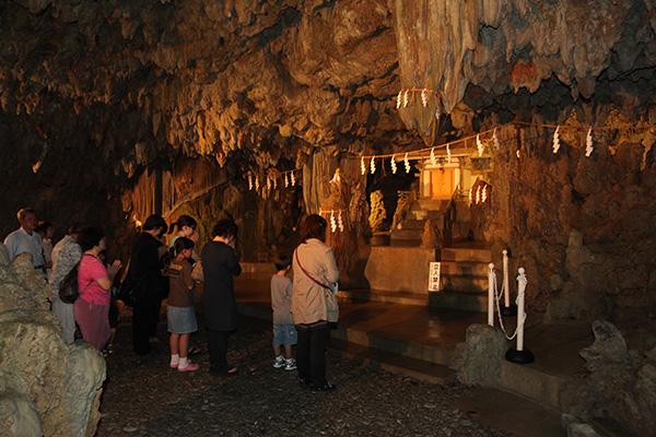 夏越の大祓 洞窟くぐり